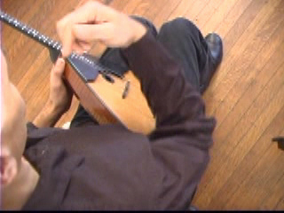 Balalaika Tutorial on DVD by Alex Siniavski. Lesson 1. Strumming