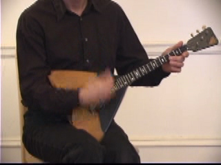 Balalaika Tutorial on DVD by Alex Siniavski. Lesson 6. TREMOLO