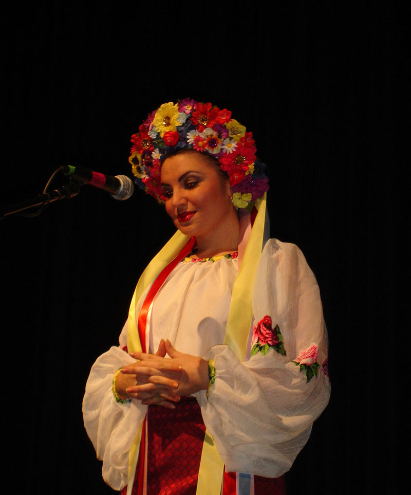 Victoria Pichurova - Russian, Cossack, Ukrainian and Gypsy folk singer from Brooklyn, NY