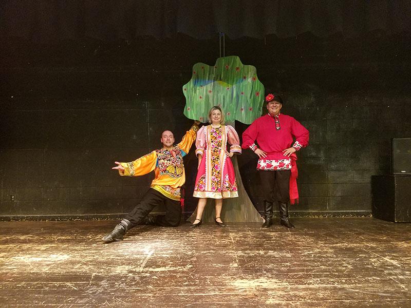 Serhiy Tsyganok, Elina Karokhina, Mikhail Smirnov, Barynya Russian School Assembly Trio