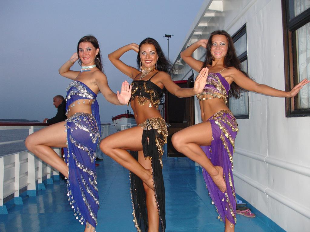 Эротического танцы девушка 10 фотография