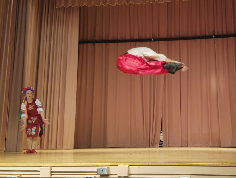 P.S. 186 Castlewood School, 252-12 72 Ave, Queens, NY 11426, Andrei Kisselev, Yana Volkova, Ukrainian National Dance, HOPAK