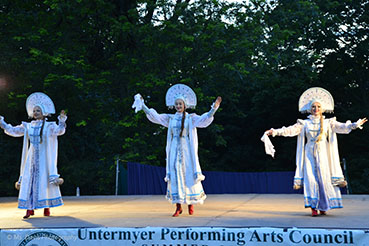 Barynya Russian Song, Music & Dance Ensemble, Russian dance Metelitsa, Valentina Kvasova, Dinara Subaeva, Simona Zhukovsky. Photos made by Donna Davis, Ms. Davis Photography