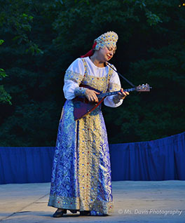Barynya Song, Music & Dance Ensemble, Balalaika virtuoso Elina Karokhina, Photo by Donna Davis, Ms. Davis Photography