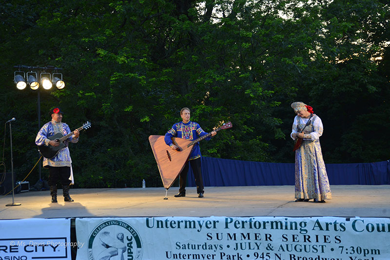 Barynya Song, Music & Dance Ensemble, Barynya Balalaika Trio, Mikhail Smirnov, Leonid Bruk, Elina Karokhina, Photo by Donna Davis, Ms. Davis Photography