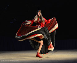 Barynya Song, Music & Dance Ensemble, Russian Gypsy dance, Alisa Egorova, Photo by Donna Davis, Ms. Davis Photography