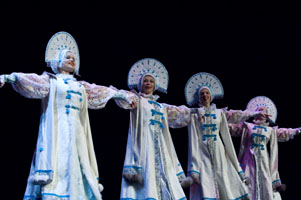"Ensemble Barynya, photo by Dalia Bagdonaite, Russian Siberian dance ""Metelitsa"""