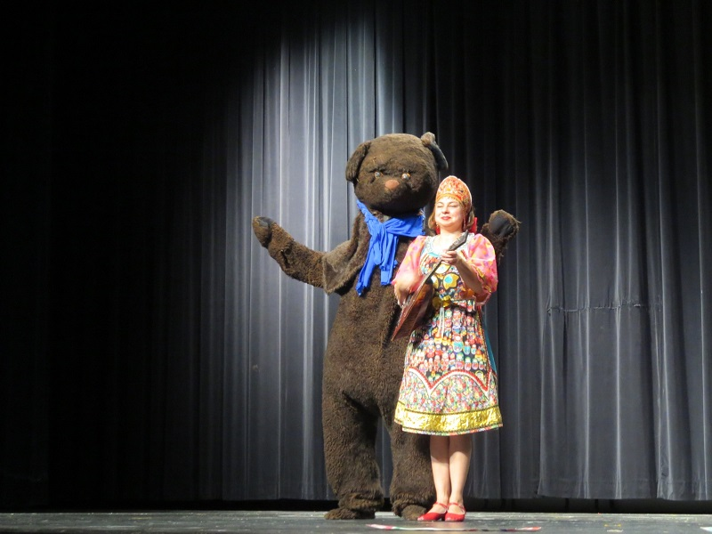 Balalaika virtuoso Elina Karokhina with Russian Bear