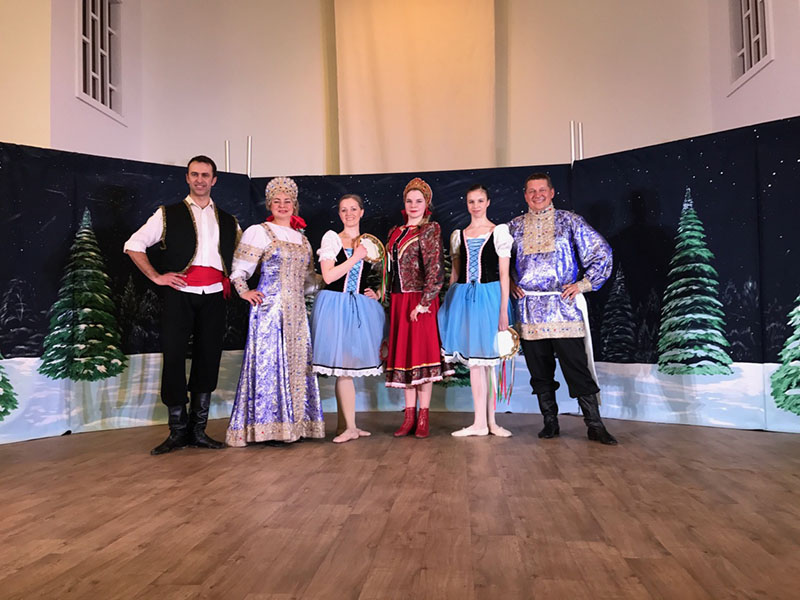 Ensemble Barynya, (from left to right) Andrei Kisselev,  Elina Karokhina, Yana Volkova, Alisa Egorova, Aleena Kisselev, Mikhail Smirnov, New Russia Cultural Center, Rensselaer, New York
